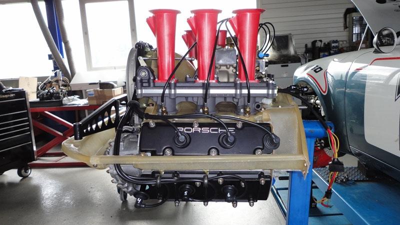porsche_911_3.5_RSR_motor (60)