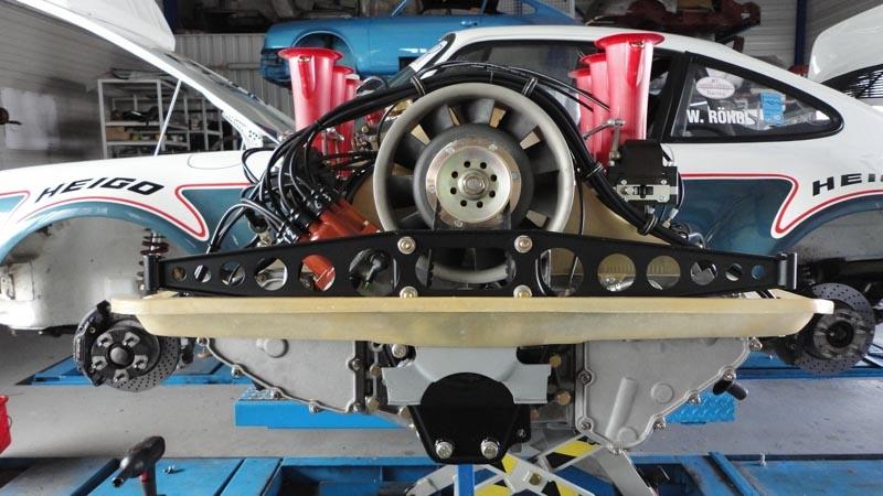 porsche_911_3.5_RSR_motor (54)