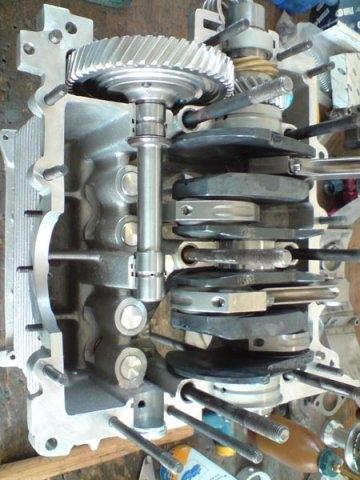 rennmotor_4_zylinder_ohc (18)